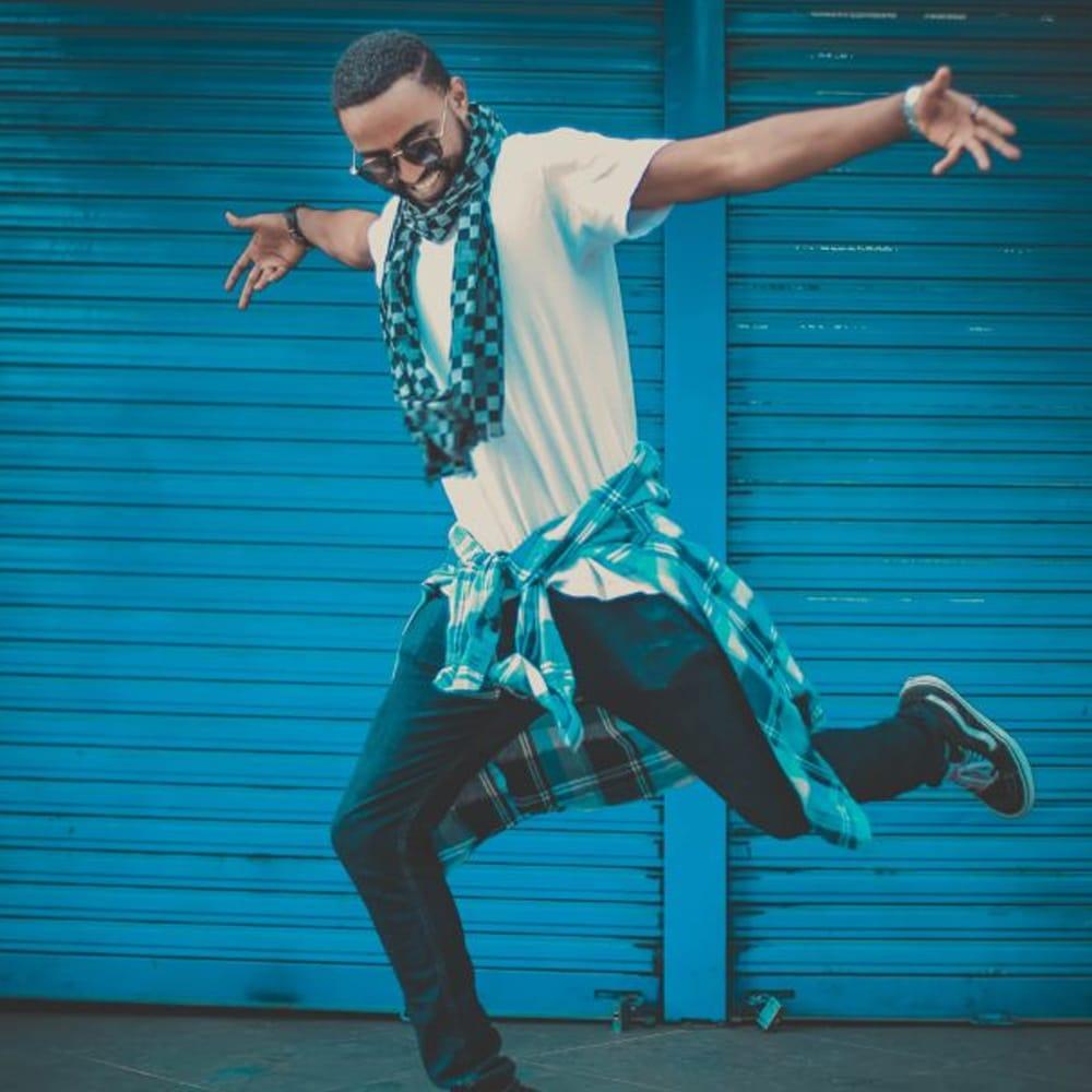 man-hip-hop-dancing